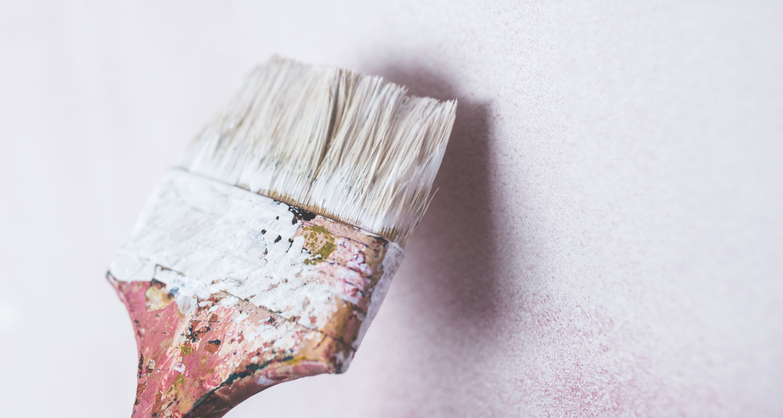 Poradnik jak usunąć widoczne łączenia płyt gipsowych po malowaniu
