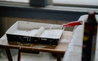 5 sytuacji, w których musisz poczekać z malowaniem swoich wnętrz. Kiedy malowanie ścian nie jest wskazane?