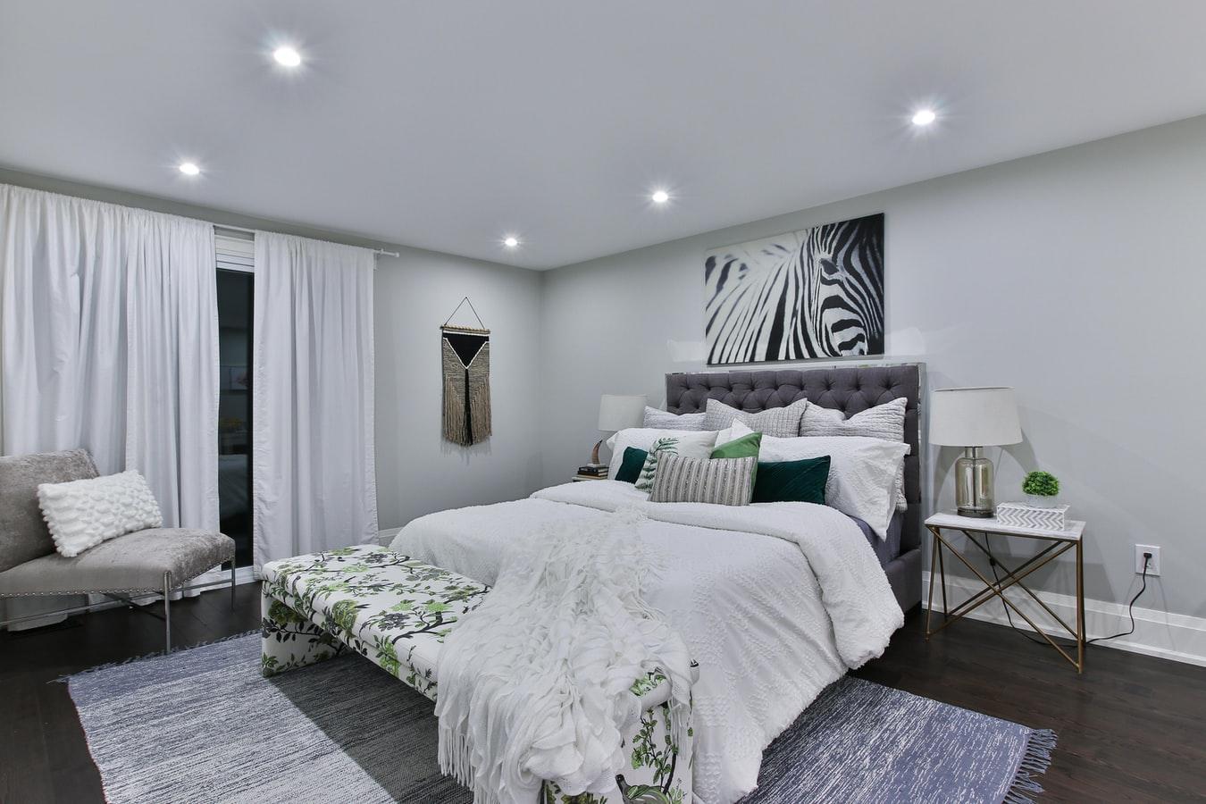 Co zrobić przed rozpoczęciem malowania dużej sypialni?